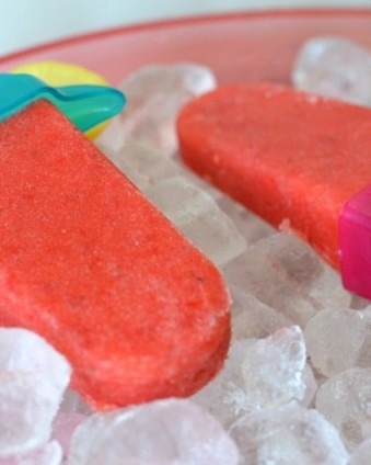 Strawberry Lemonade Popsicles: The perfect way to keep cool this summer.