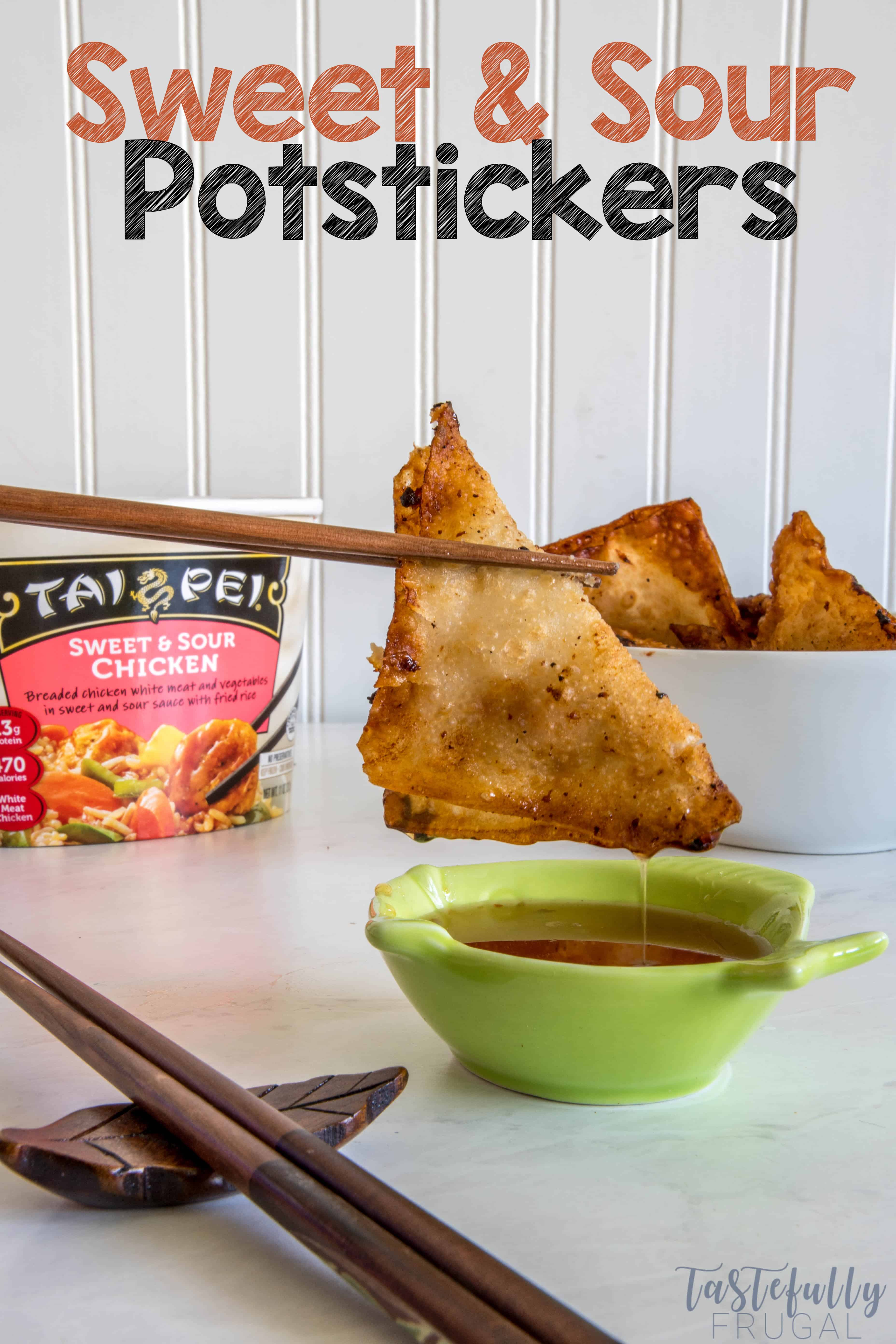 This easy potsticker recipe paired with Tai Pei Foods makes a quick, easy and healthy dinner! #ad #TaiPeiFood #TaiPeiAsianFoods #FrozenAsianFood
