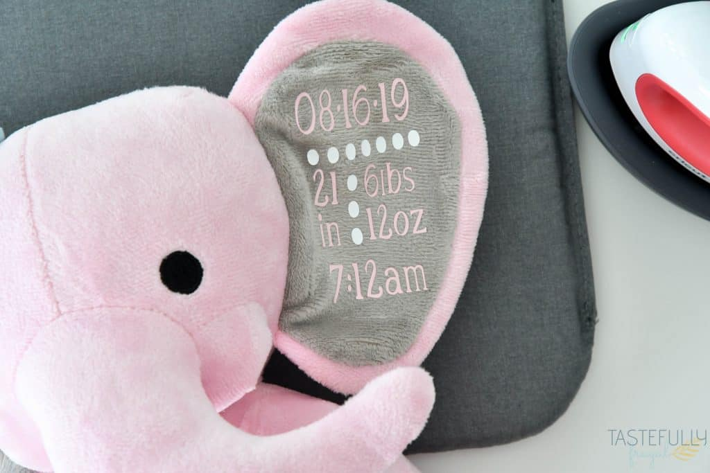 Make a birth announcement stuffed elephant for less than $10 with this tutorial that includes a FREE customizable design! #ad #cricutcreated