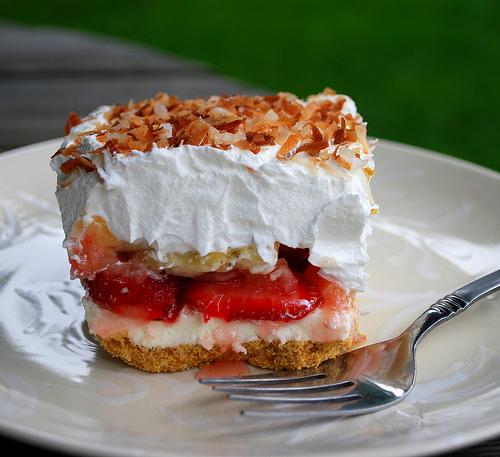 Strawberry Banana Split Dessert Recipe