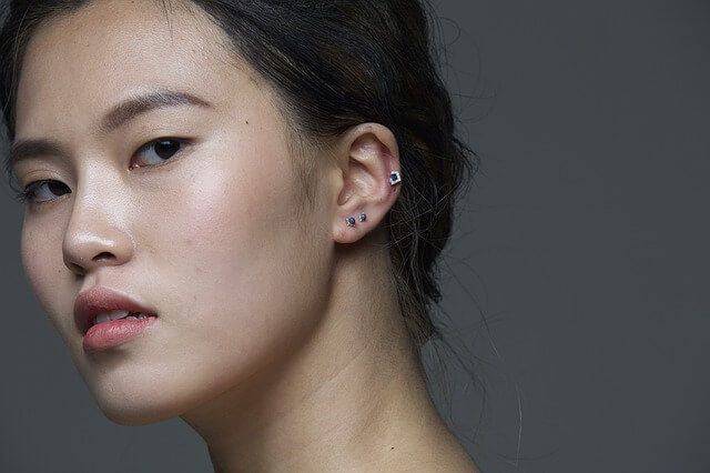 How to pierce cartilage