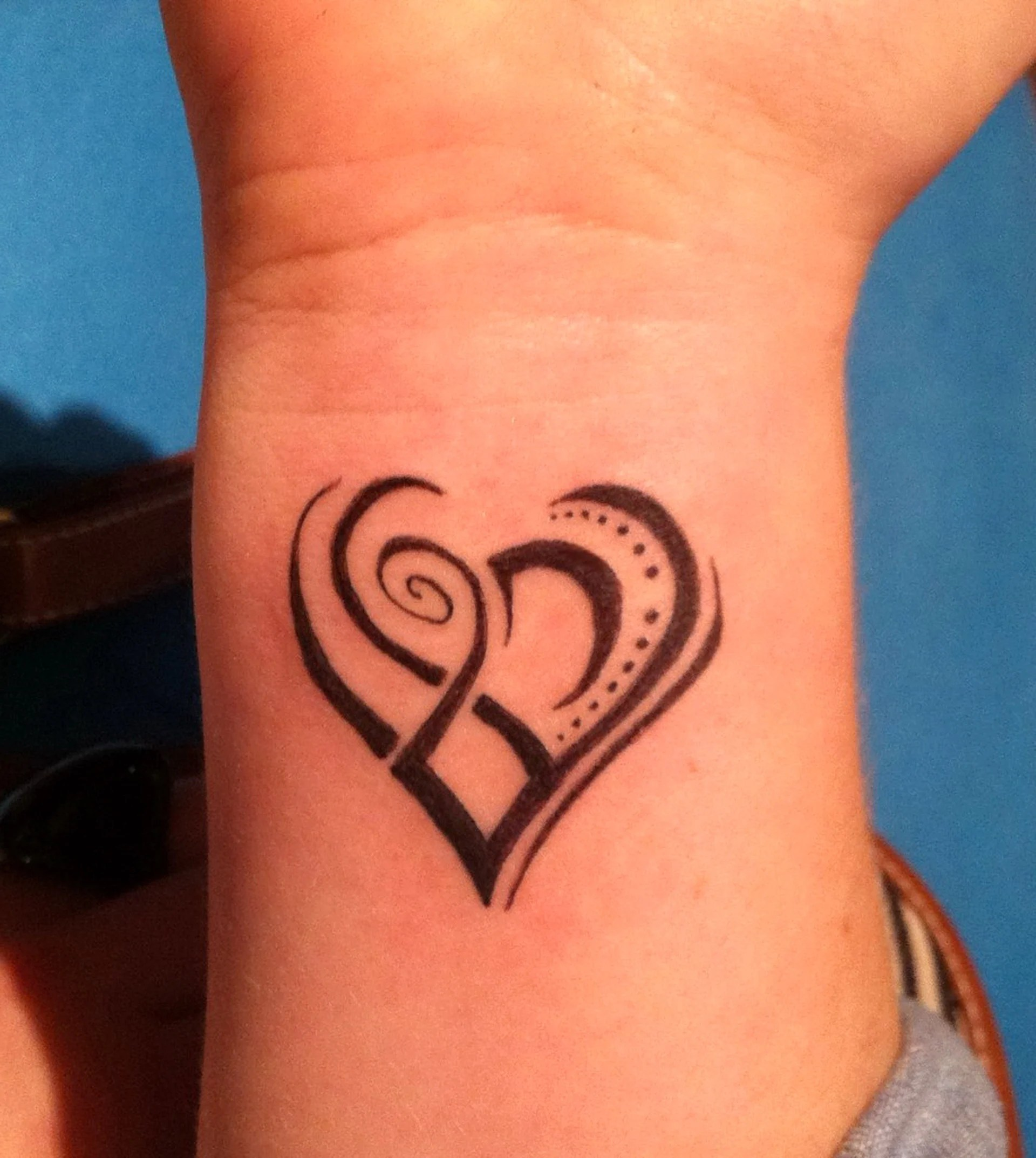 27 Wrist Tattoos Designs For Girls Ideas And Designs