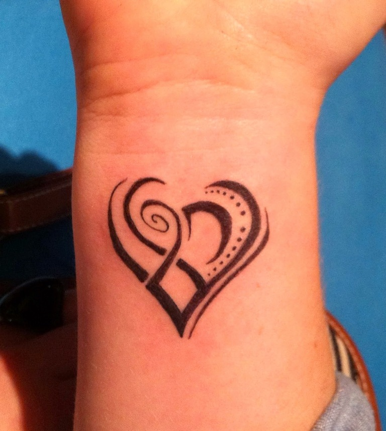 60 Hearts Tattoos For Wrists Ideas And Designs