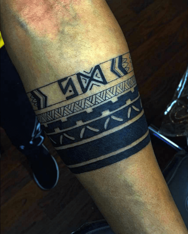 45 Masculine Armband Tattoo Designs For Men Ideas And Designs