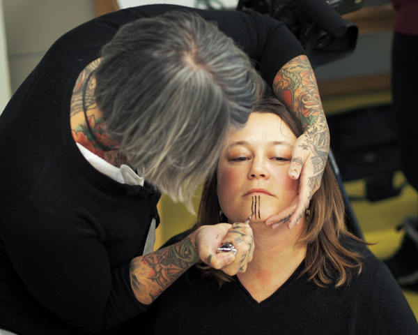 Women's Traditional Chin Tattoos Are Making A Comeback In Ideas And Designs