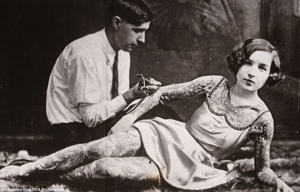 Vintage Photographs Reveal Tattoo Mad Men And Women With Ideas And Designs