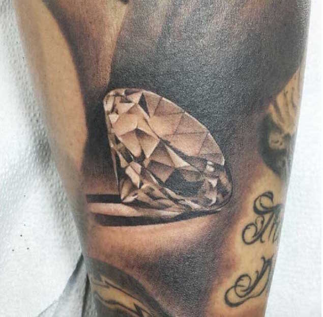 21 Expertly Executed Diamond Tattoos Tattooblend Ideas And Designs