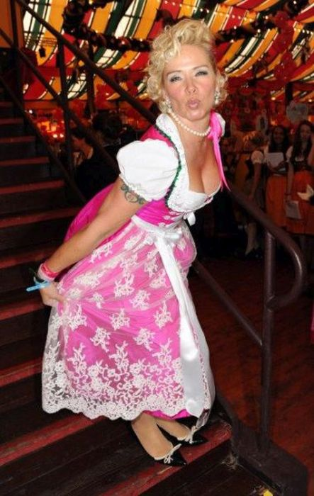 The Best B**Bs And Beer From Oktoberfest 37 Pics Ideas And Designs