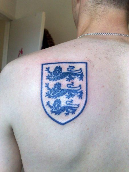 Three Lions Tat Want This Or At Least Something Similar Ideas And Designs