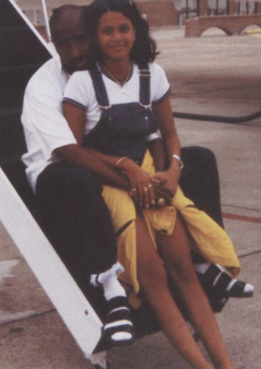 1996 06 28 Tupac Kidada Jones At The Airport In New Ideas And Designs