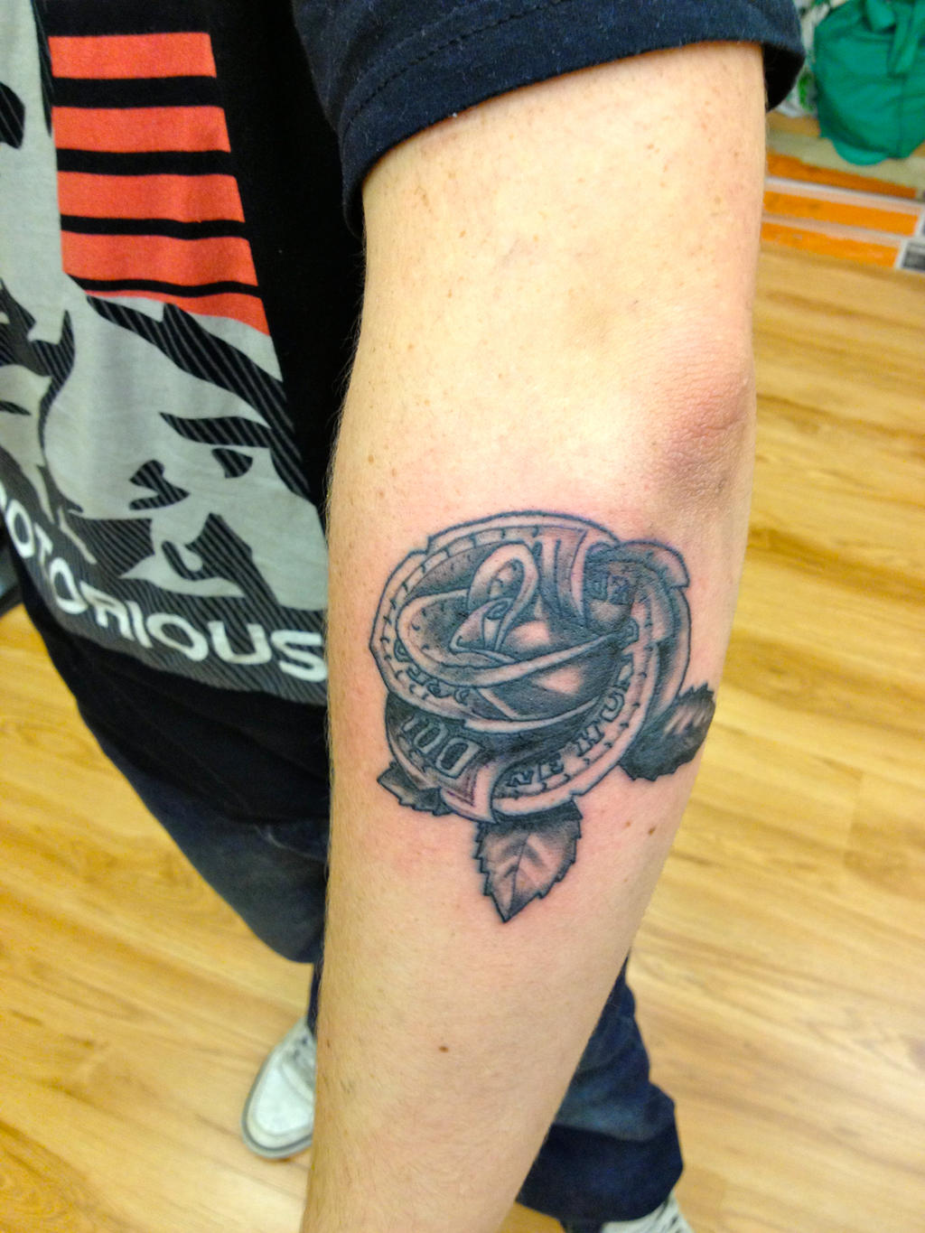100 Dollar Bill Rose Tattoo By Dazzbishop On Deviantart Ideas And Designs