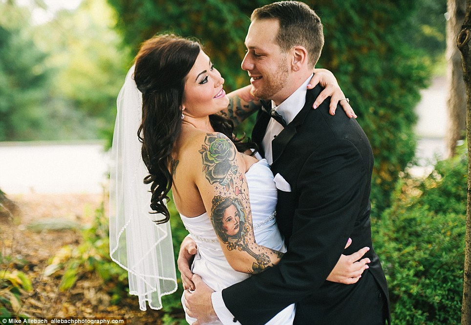 Brides Embrace Their Tattoos For Badass Wedding Photos Ideas And Designs