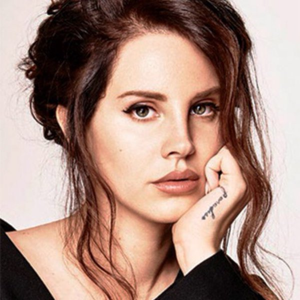 Tisumieffect On Twitter Lana Del Rey And Adele Posing Ideas And Designs