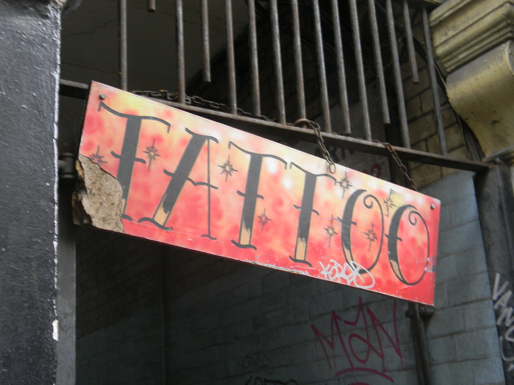 Grafitti Tattoo Sign Denmark Street Bloomsbury Sign London Ideas And Designs