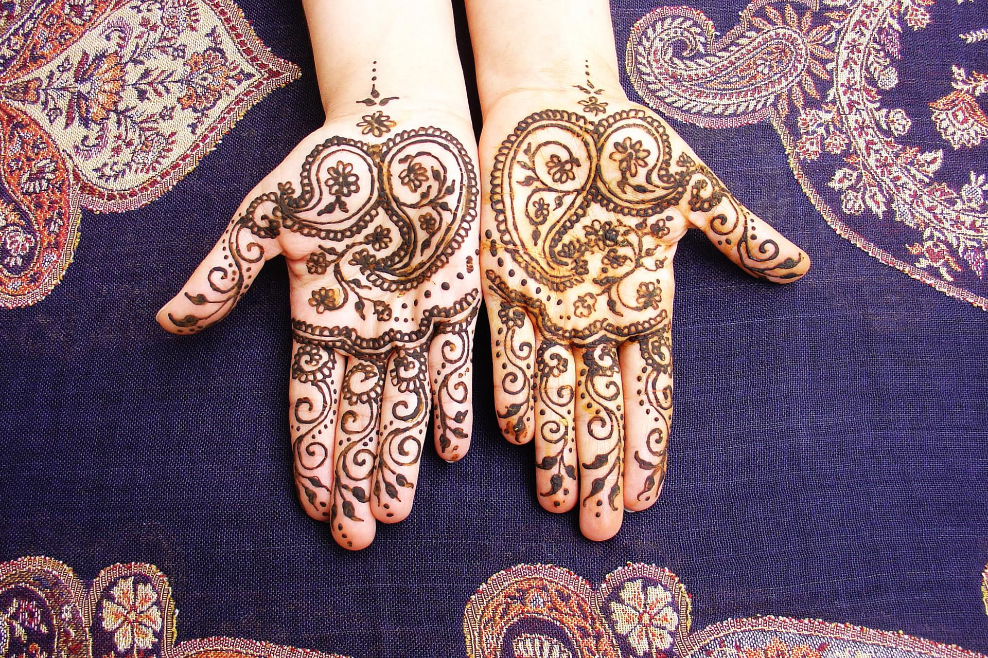 What Is Henna And Is It Safe For My T**N Ideas And Designs