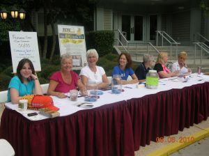 2010 TCTC Volunteers at registration table