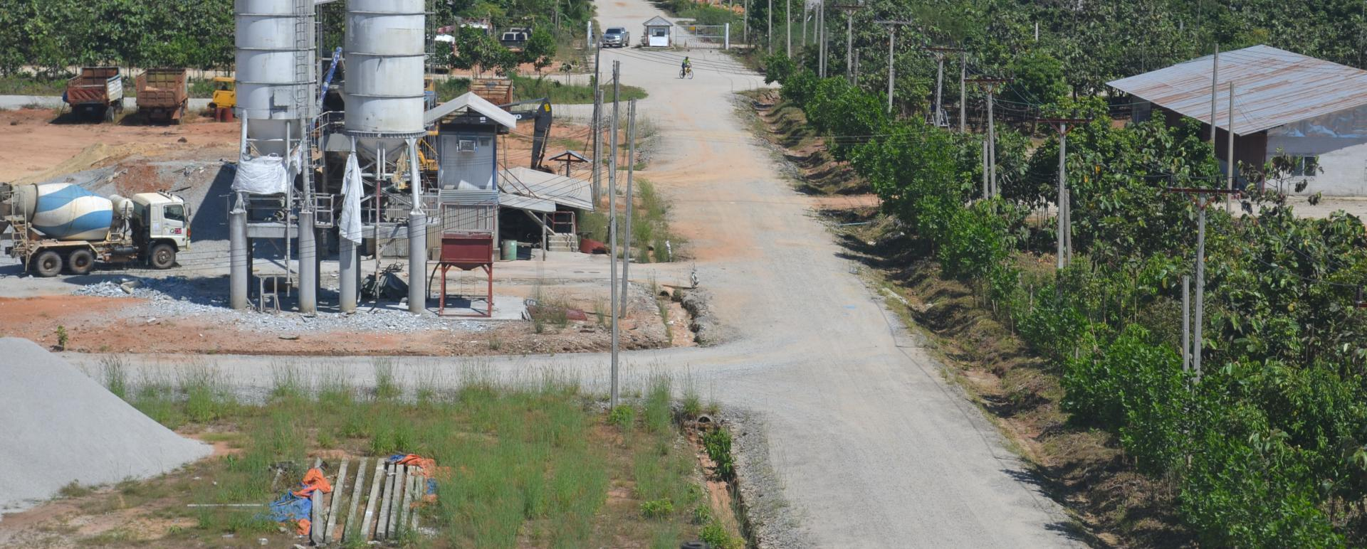 Two-lane road connecting Myanmar's Dawei SEZ with Thailand ...