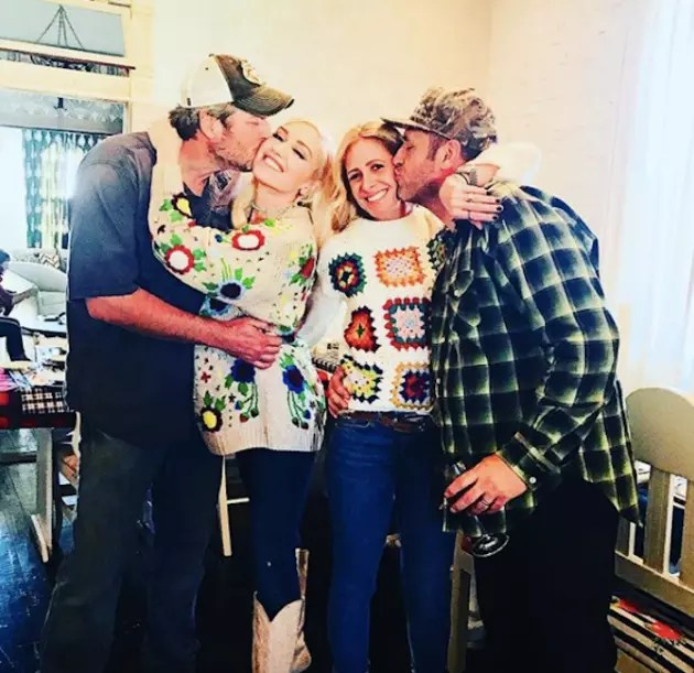 Gwen Stefani Showing Off Baby Bump In Thanksgiving Photo