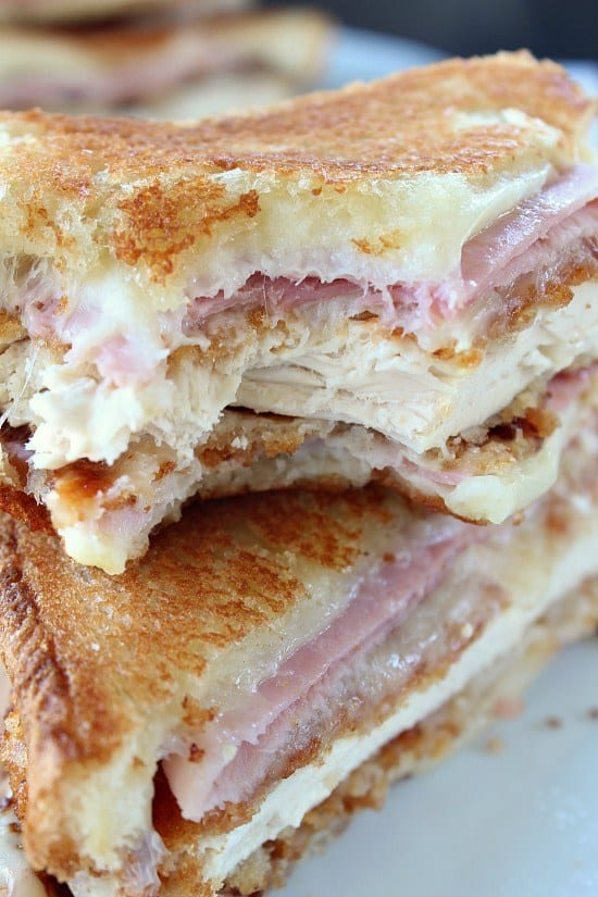 Chicken cordon bleu made into a grilled cheese sandwich? Yep, and you talk about delicious, this chicken cordon bleu grilled cheese is absolutely delicious! I know it sounds crazy, but trust me on this one, this is seriously one of the best grilled cheese sandwiches I've ever eaten! Such a great comfort food.