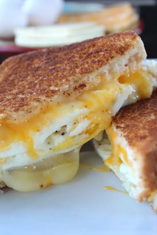 Grilled cheese sandwiches are so good, and this fried egg grilled cheese sandwich is definitely one that will make any breakfast delicious! I am always thinking of different ways to make breakfast special, and this breakfast sandwich sure does the trick.