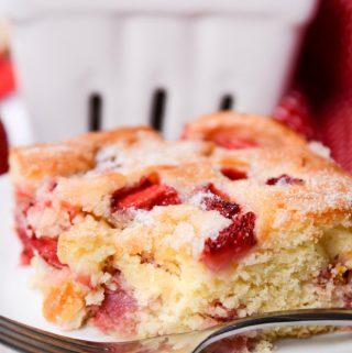 Easy French Strawberry Cake