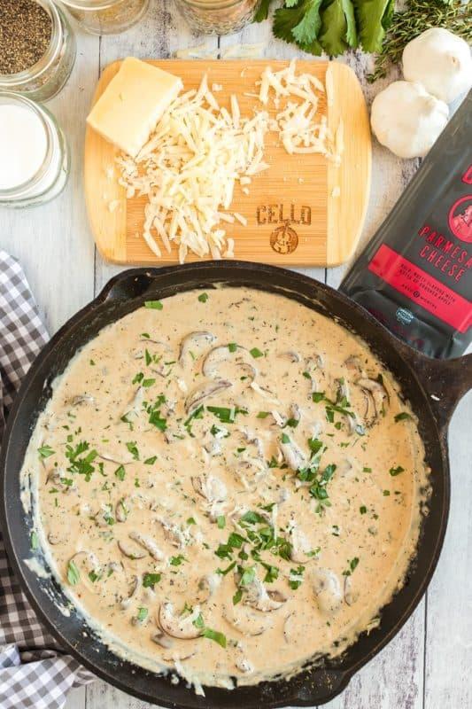 Easy Creamy Garlic Parmesan Mushrooms