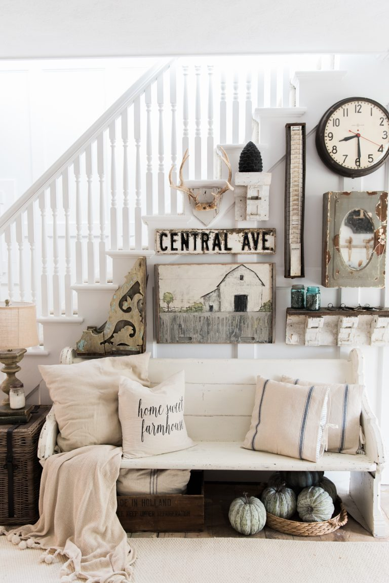 18 Elegant Ways To Give Your Entryway Farmhouse Style