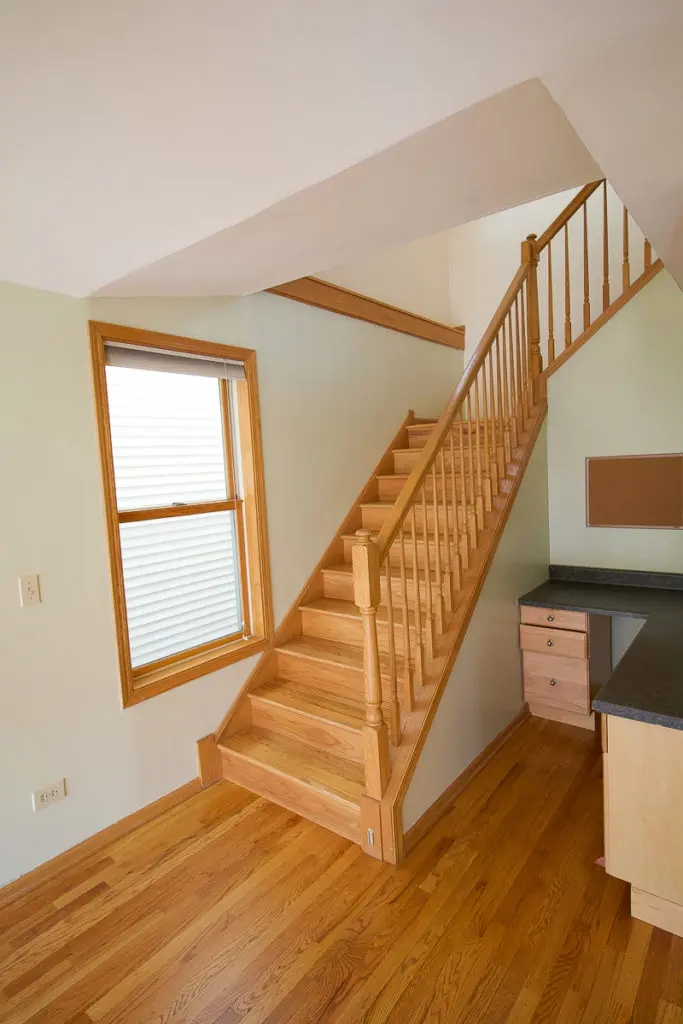 Metal Stair Railings Makeover Inspiration The Diy Playbook | Wooden Handrails For Stairs Interior | Design | Brown | Simple | Wall Mounted | Indoor