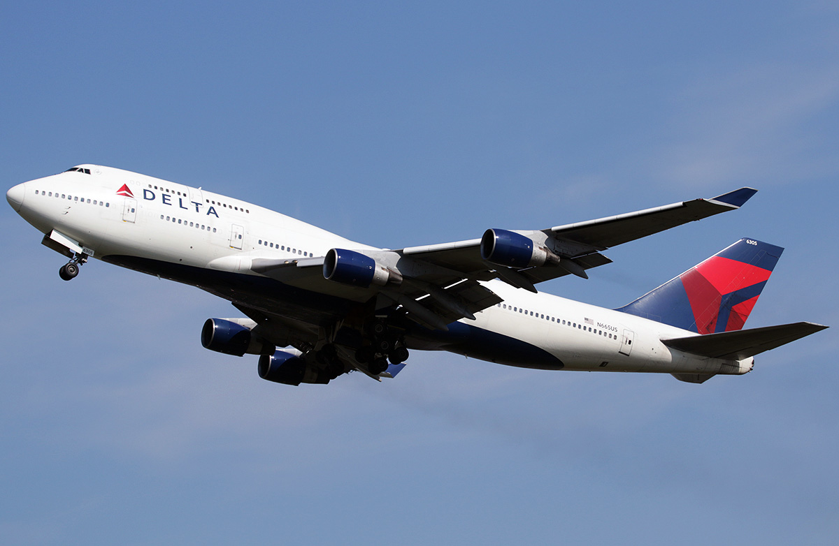 Boeing 747 400 Delta Airlines Photos And Description Of