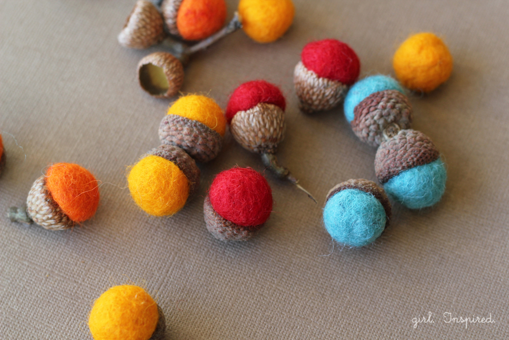 felted wool ball acorns #turkeytablescapes