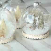 Snow Globe Ornaments - these are so pretty!