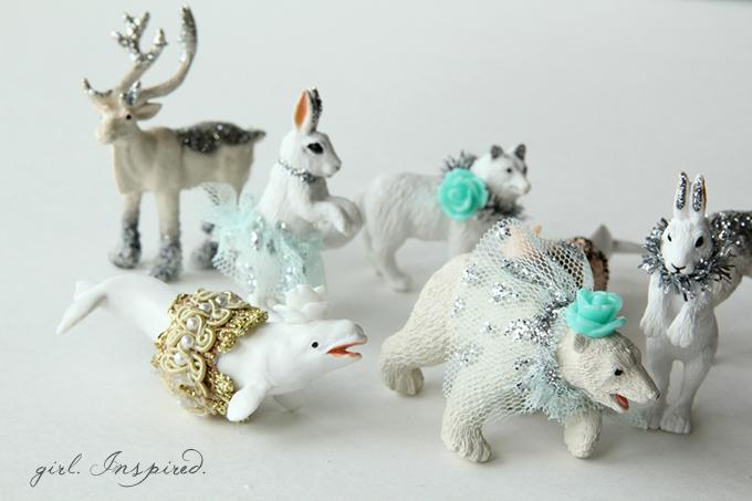DIY Necklaces for Frozen Party