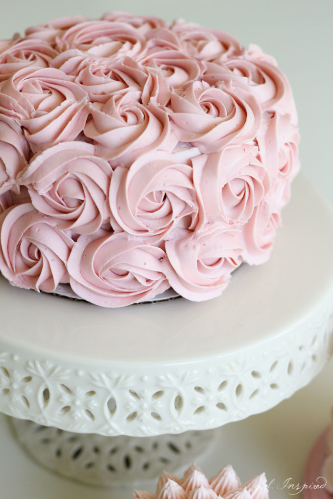 Simple And Stunning Cake Decorating Techniques Girl