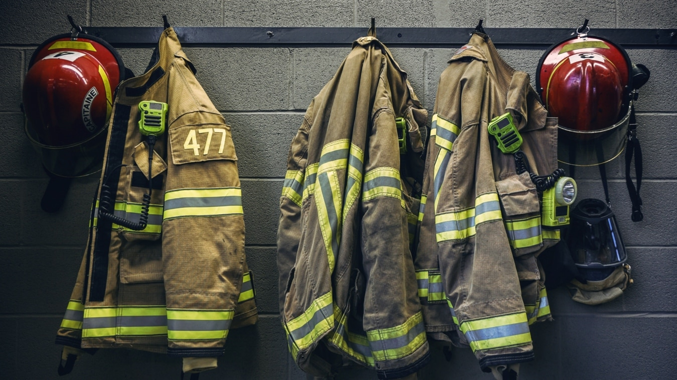 400 Houston firefighters will be axed so more senior ...