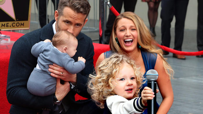 """Ryan Reynolds on Flying With Toddlers: """"I Would Rather ..."""