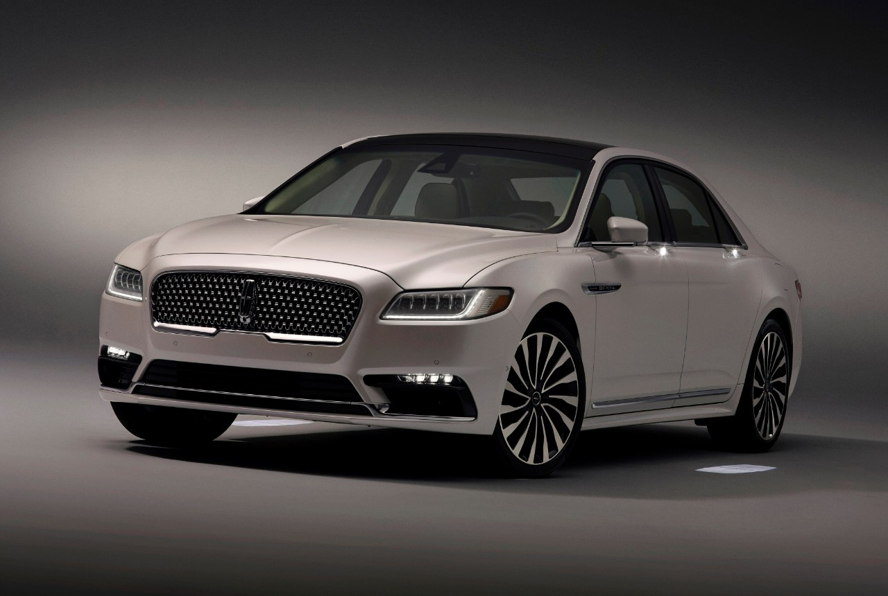 2017 Lincoln Continental Gets Fancy Schmancy Approach Detection Lighting System The News Wheel