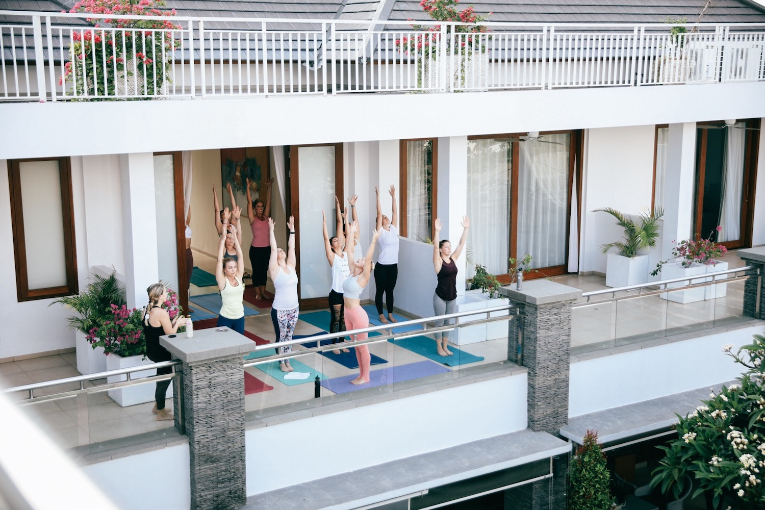 Lesley Murphy teaches yoga LimtiLes in Bali