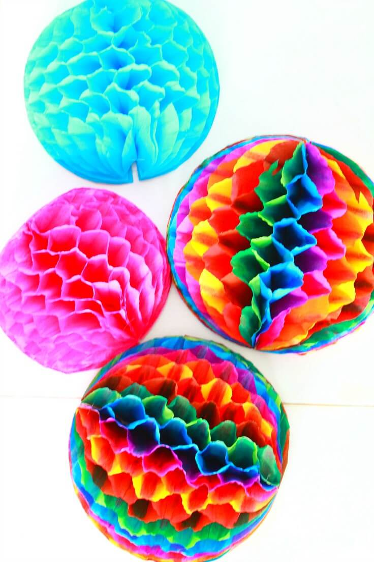 Honeycomb Pom Pom