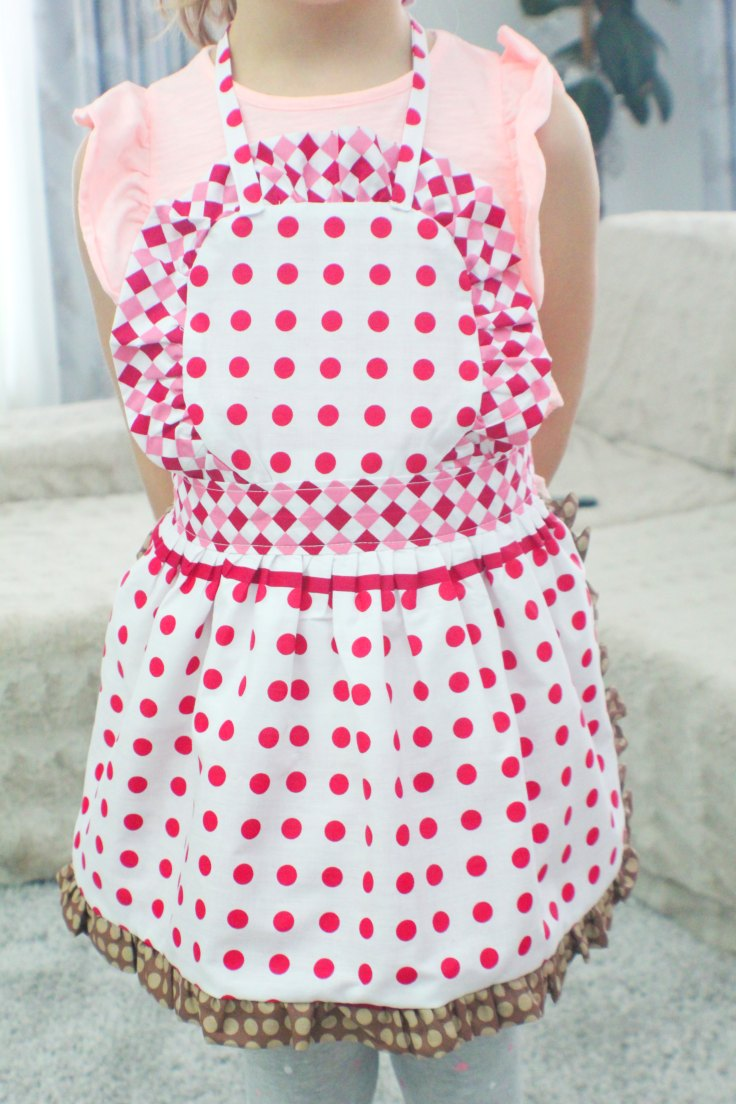 Girls apron pattern
