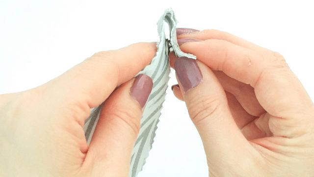Snap fastener tool
