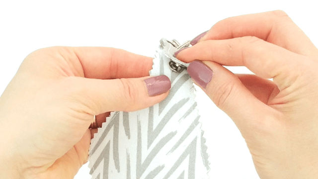 How to use snap pliers