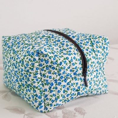 Quilted zipper pouch sewing tutorial