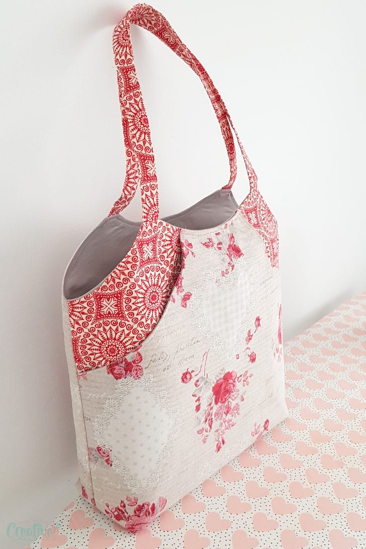 Tote with pocket