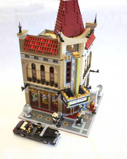 LEGO 10232 Palace Cinema Review   LEGO Reviews   Videos 10232 palace cinema