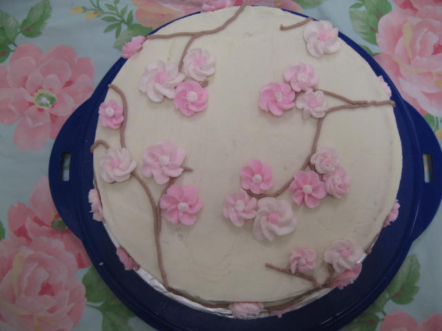 Foodie Friday  Wilton Basic Cake Decorating  Class Four    The Vaca Loca My final cake  Cherry blossoms