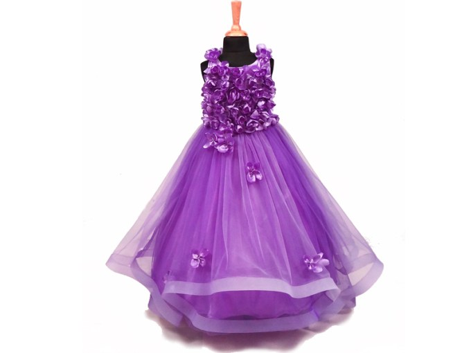 The Lavender Flower Gown     thewildcat Click