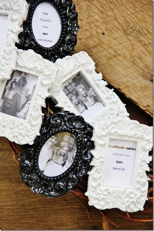 picture-frame-wreath-thankful-quotes