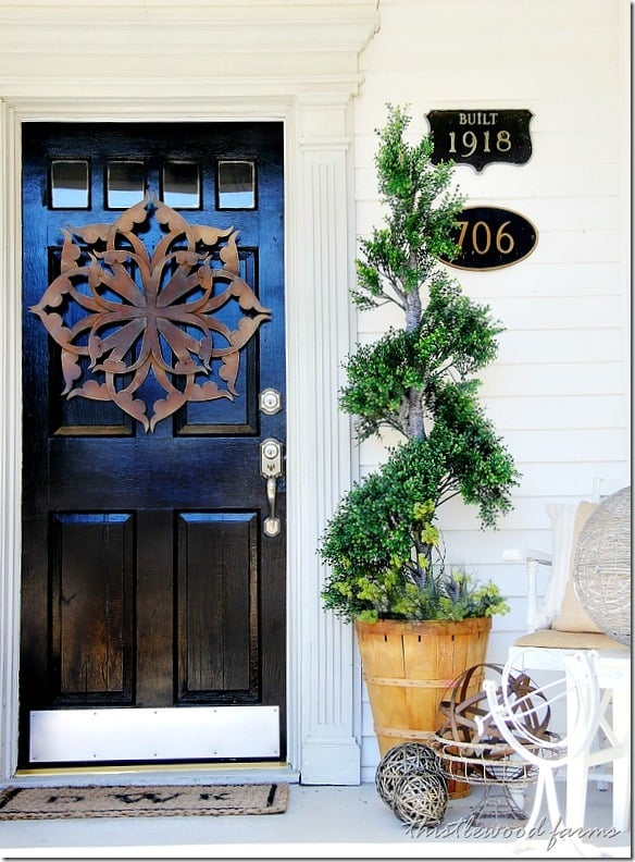 spring-decorating-ideas-topiary