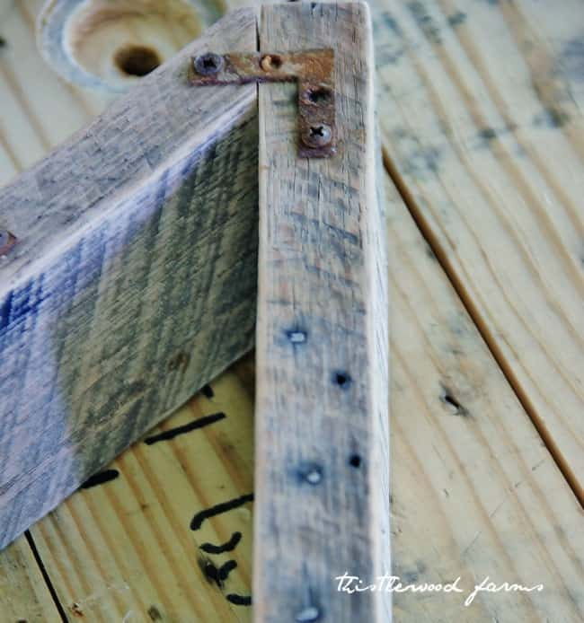 how to build a pallet wood letter