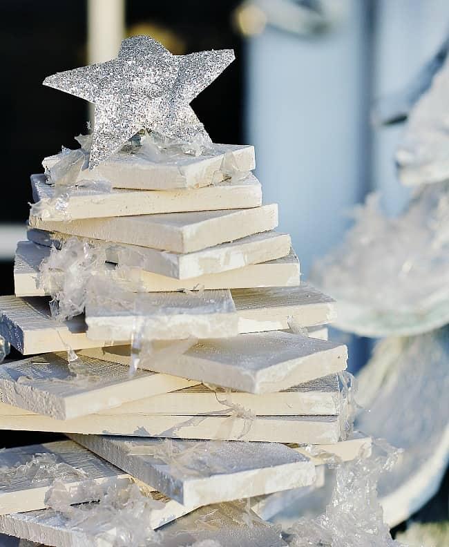 1-Paint stick Christmas tree diy